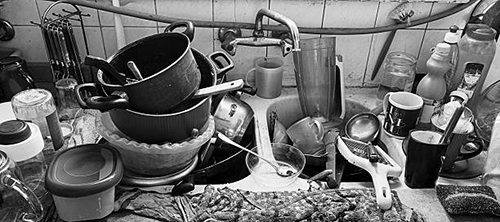 Image of a dirty kitchen